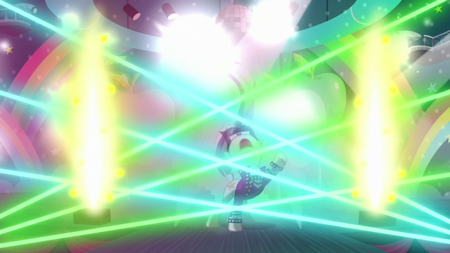 File:Coloratura's performance supported by laser light show and pyrotechnics S5E24.png