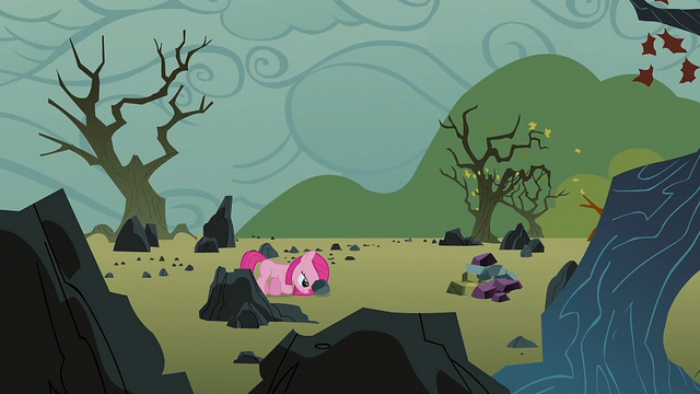 File:Filly Pinkie pushing a rock S1E23.png