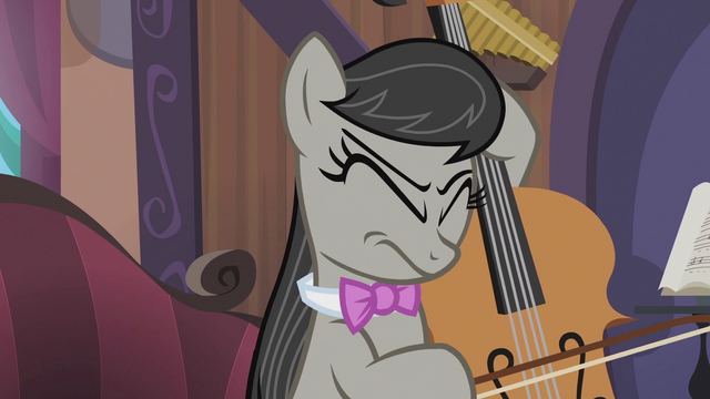 File:Octavia Melody wincing again S5E9.png