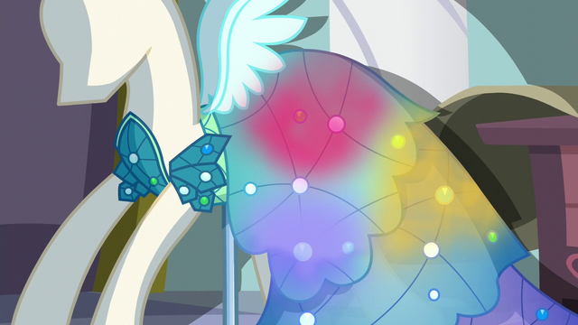 File:Princess Dress shines with multicolored light S5E14.png