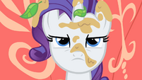 Rarity glaring at Applejack S1E08