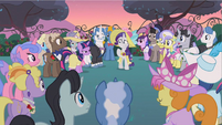 Rarity they all know S2E9