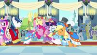 Main 6 coronation group hug S03E13