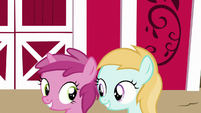 Ruby Pinch and filly smiling at each other S7E14