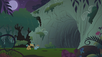 Snips and Snails entering the ursa's cave S1E06