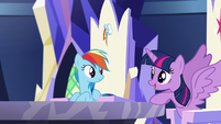 "Twilight ""Follow me""; she opens her wings S5E19"