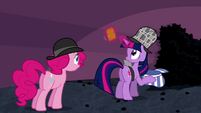 Twilight gathering evidence from hat S2E24