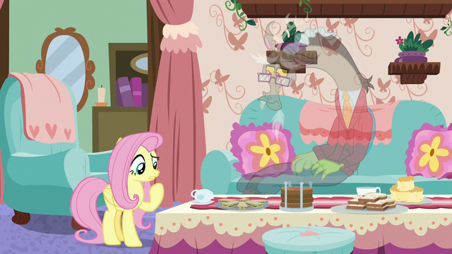 File:Fluttershy thinking of something else S7E12.png