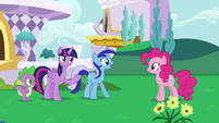 Minuette happy to see Pinkie Pie S5E12