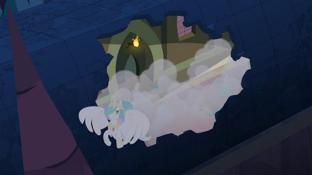 File:Princess Celestia escaping through roof S4E02.png