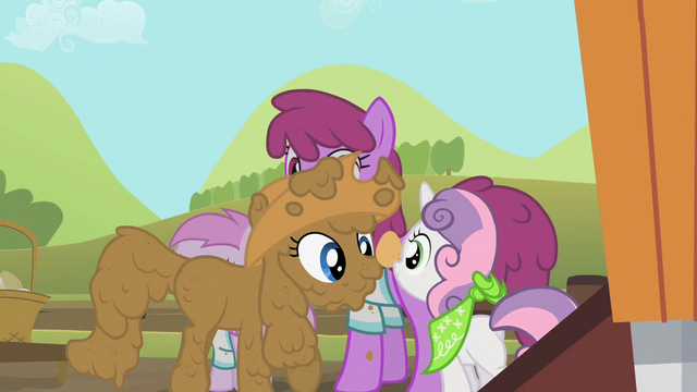 File:Rarity and Sweetie Belle carrying an egg S02E05.png