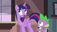 "Twilight Sparkle ""they'll talk over each other"" S6E22"