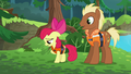"""Apple Bloom sings """"Everypony has to go out"""" S6E4.png"""