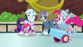 "Party cannon ""skating"" to Pinkie Pie S6E3.png"