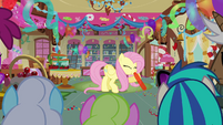 Fluttershy blowing up balloon 2