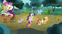 Scootaloo 'way better than going through the bushes' S3E06