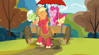 Pinkie Pie and the Apples singing the reprise S4E09