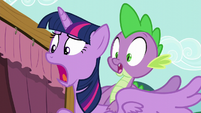 Twilight and Spike shocked S5E11