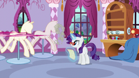 Rarity sees Pinkie run off S5E14