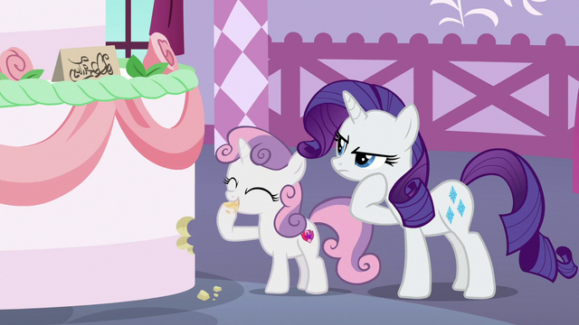 File:Sweetie Belle sampling the giant cake S6E15.png