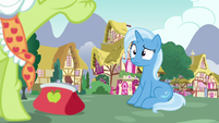 Trixie confused by Granny's purse throw S7E2