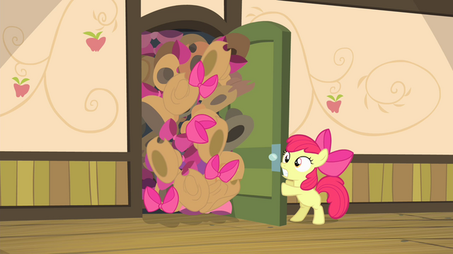 File:Hats and bows about to fall down S4E17.png