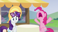 "Pinkie Pie ""I've never burnt cake!"" S6E21"
