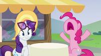 "Pinkie Pie ""I've never burnt cake!"" S6E21"