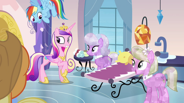 File:Princess Cadance and crystal spa ponies S03E12.png