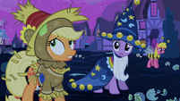 Applejack 'was happy' S2E04
