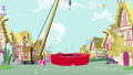 Piñata falls onto Rainbow S4E12.png