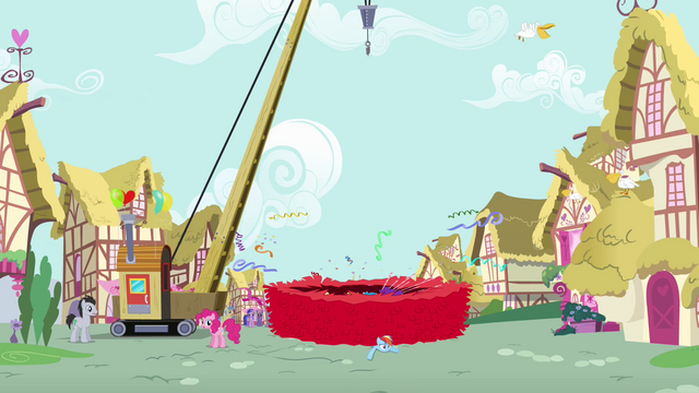 File:Piñata falls onto Rainbow S4E12.png