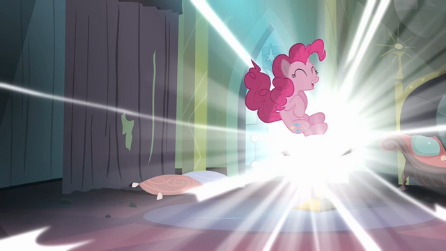 File:Pinkie Pie enters the comic book S4E06.png