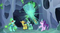 Starlight Changeling produces a giant fly swatter S7E1