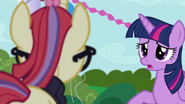 File:Twilight apologizing to Moon Dancer S5E12.png