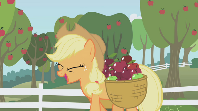 File:Applejack happy S01E03.png