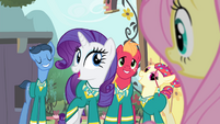 Rarity talking about Ponytones' next gig S4E14