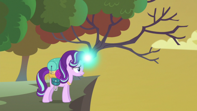 File:Starlight testing her magic in the hive area S6E26.png