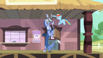 Rainbow gives Discord a hat and a briefcase S4E11