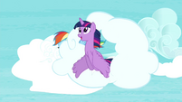 Twilight flies through the cloud S4E21