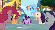 Twilight surrounded S1E03.png