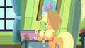 Applejack surprised S4E17.png