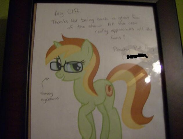 File:Peachy Pitt Pony autograph.jpg