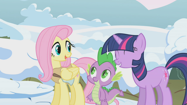 File:Twilight helping Fluttershy S01E11.png