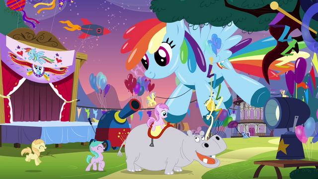 File:Large balloon shaped like Rainbow Dash S4E12.png