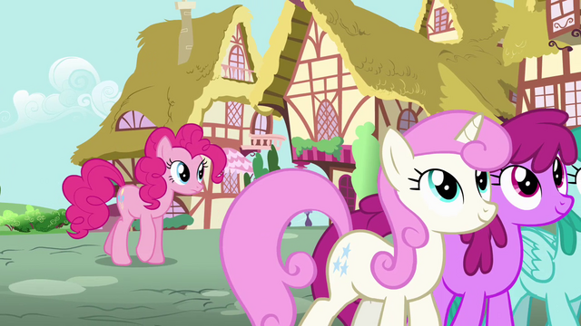 File:Pinkie Pie listening to Rainbow talking S4E12.png
