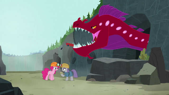"""File:Maud Pie oblivious """"what eel?"""" S7E4.png"""