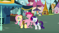 Pinkie Pie moving Fluttershy S02E19
