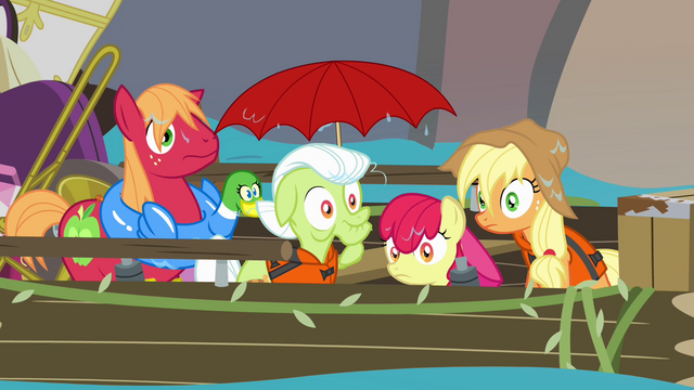 File:Apple family soaked S4E09.png