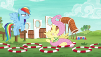 Fluttershy falls flat on her face S6E18